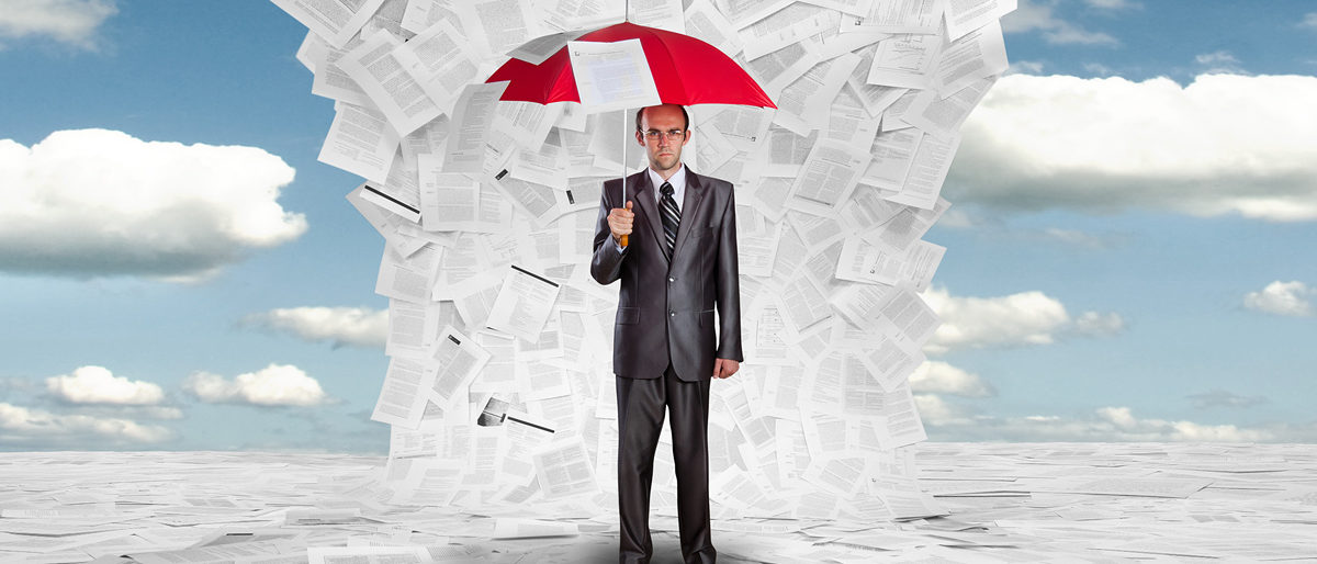 Serious businessman with red umbrella under huge wave of documents Schlagwort(e): adult, air, big, blast, bureaucracy, business, businessman, chaos, concept, confident, contract, crisis, danger, disaster, documents, file, flood, flying, frustration, huge, hurricane, male, man, manager, messy, metaphor, outdoors, overflow, papers, paperwork, pensive, person, problems, protection, red, risk, safe, sea, serious, sky, stack, storm, tie, umbrella, wave, wind
